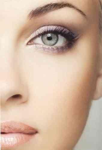 machiaj roz ochi verzi