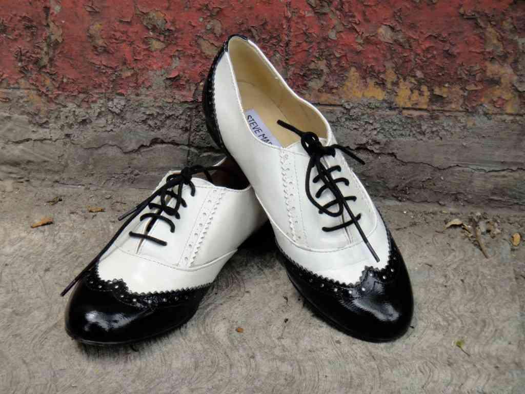 pantofi stil oxford