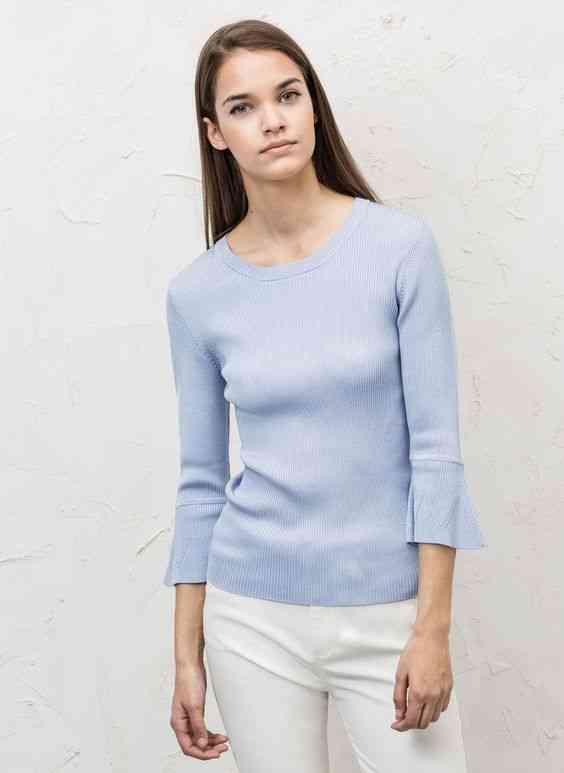 pulover-ajustat-cu-volan