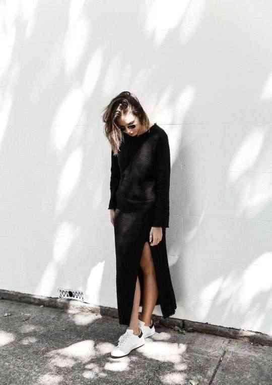 rochie-neagra-cu-adidasi